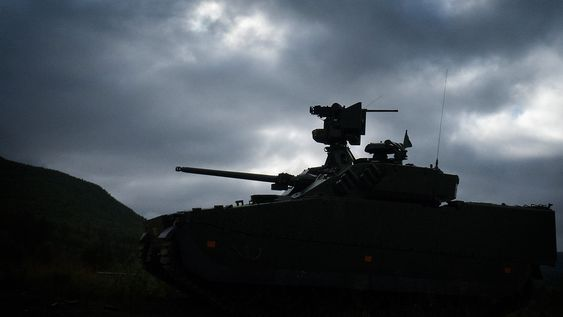 CV90 Mk III på skytefeltet på Setermoen