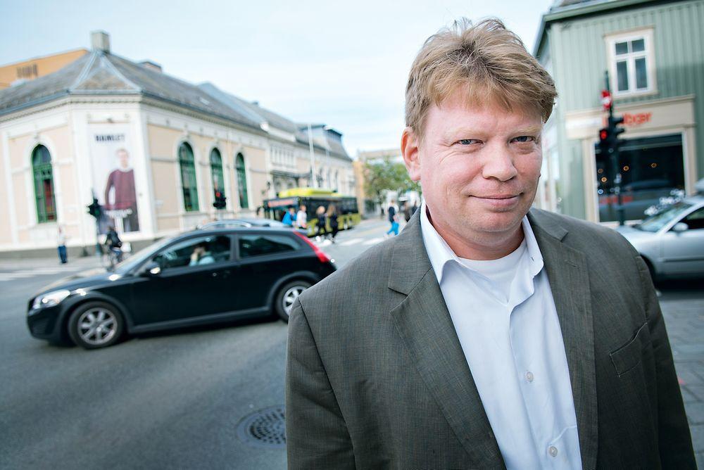 Elbil-ekspert: Professor Joachim Taiber vil bygge et testanlegg for elbilteknologi i Midt-Norge. Sintef er positive.