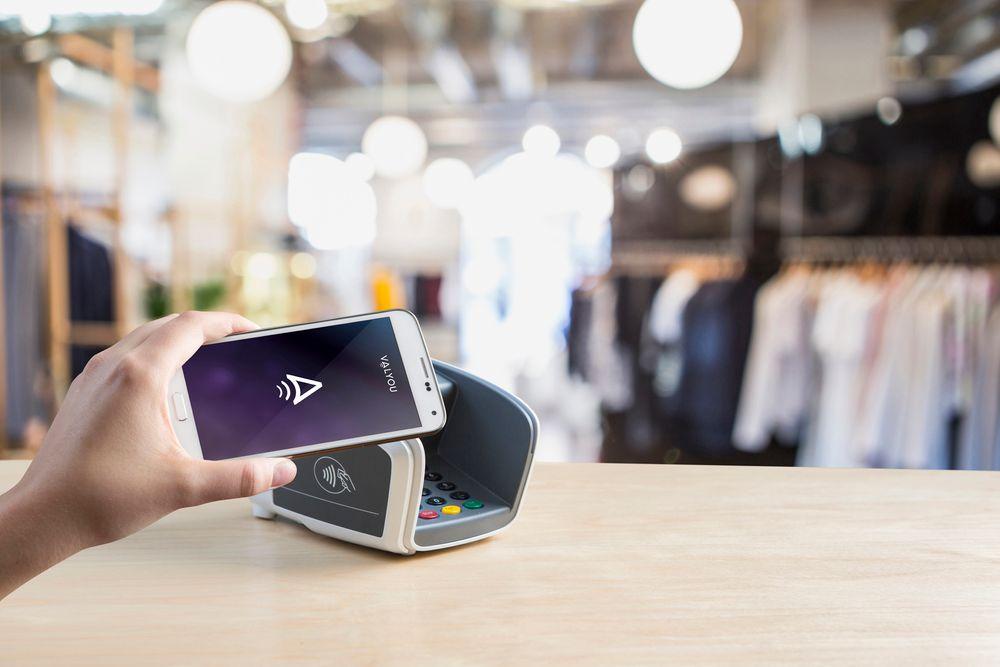 503249b9 Norsk løsning: Apple, Samsung, Google og andre vil banke på med sine  betalingsløsninger