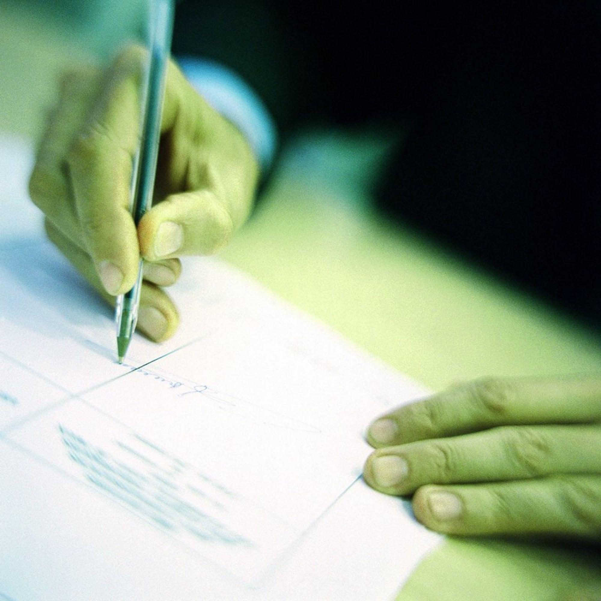 KRITISK: Ansatte signerer vekk ytringsfriheten, mener NITO.