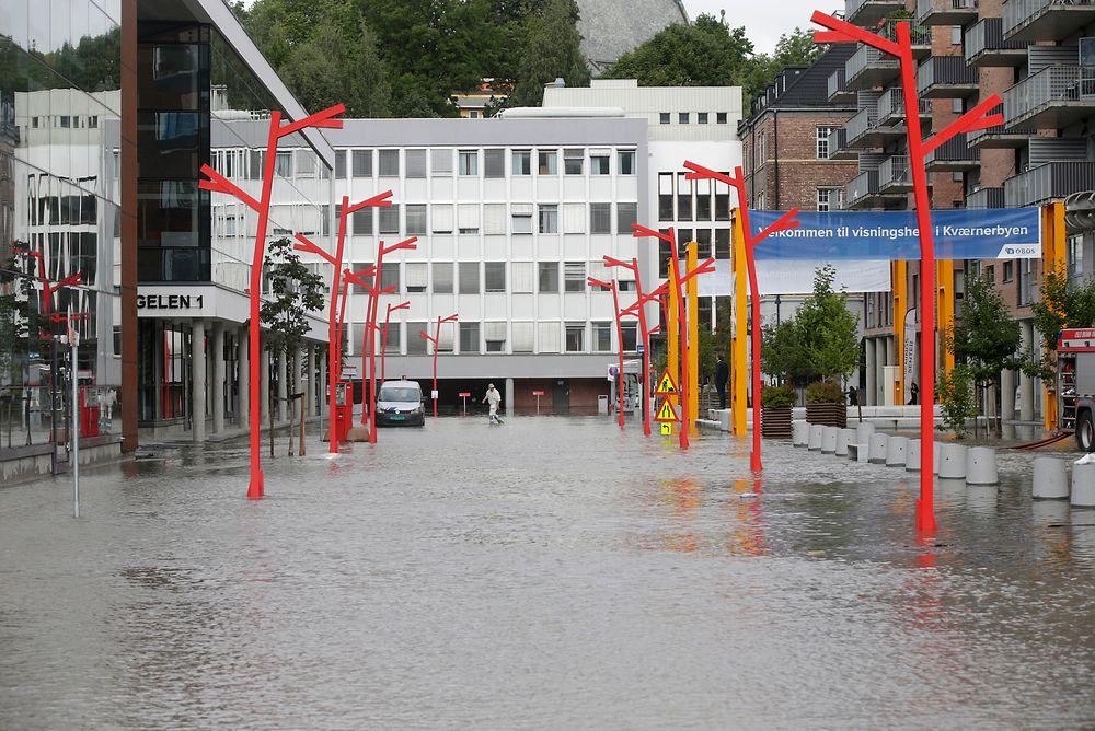 Mange gater var under vann i Kværnerbyen denne uken, og folk kom ikke fram på grunn av vannmassene.