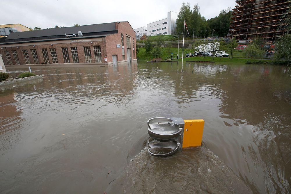 Bydelen Kværnerbyen i Oslo ble oversvømt nylig. Slike hendelser kan bli langt vanligere, ifølge en ny klimarapport.