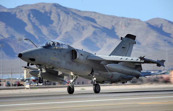 De italiensk-brasilianske AMX A-11B-flyene er blant dem som skal erstattes av F-35A i det italienske flyvåpenet.