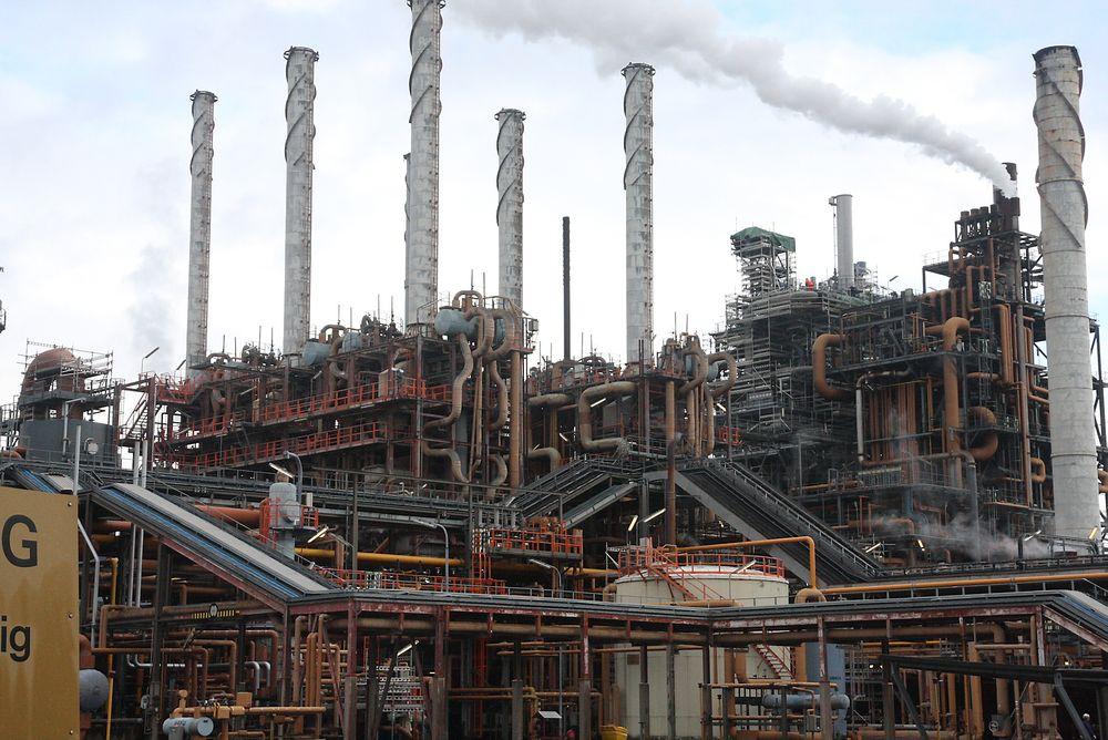 Noretyl bryter ned etan og propan til etylen og polypropylen, de viktigste byggesteinene for plast. Produksjonen går til de to «naboene» på hver side – Klor-/VCM-fabrikken Inovyn på nordsiden og Ineos Bamble på sørsiden. De eksporterer på sin side 95 prosent av produksjonen.