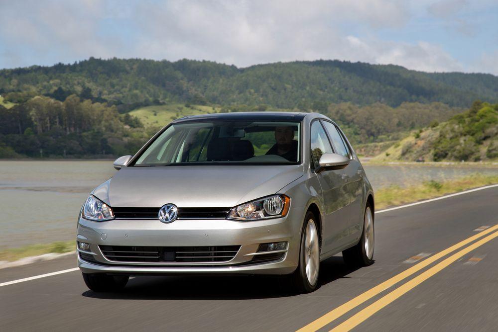I 2014 kjøpte miljøprofessoren en bil av denne typen - 2015 Golf TDI. Nå har han gått til sak mot Volkswagen.