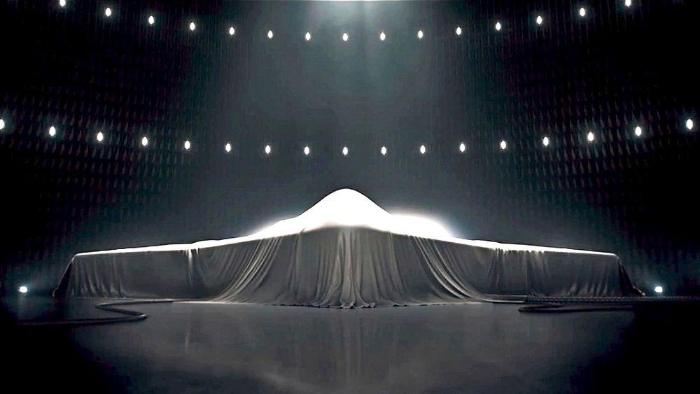 Northrop Grumman betalte 4,5 millioner dollar for å vise 30 sekunder med et tildekket bombefly under Super Bowl XLIX 1. februar i år.