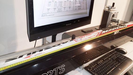 Skimålemaskinen Skianalyzer er utviklet av IDT i samarbeid med Olympiatoppen. Maskinen måler spenn og stivhet i langrennski med laser.