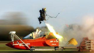 Risikerer å brekke nakken: De letteste flygerne får ikke fly F-35