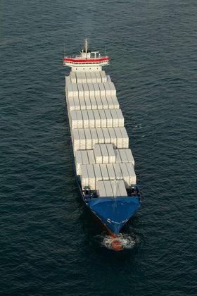 Wes Amelia fra 2011 har plass til drøyt 1.000 containere og går i Østersjøen. Skipet er på 13.200 dødvekttonn.
