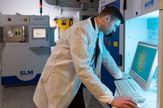 3D-printing gjør at ingeniørene kan designe mye mer komplekse komponenter. FOTO: Siemens