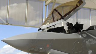 Han ble første nordmann til å fly F-35
