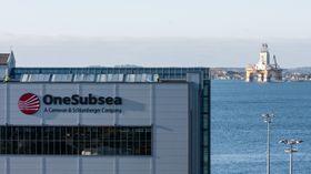 Fra Onesubsea på Horsøy på Askøy. I bakgrunnen Deep Atlantic til kai på Hanøytangen.
