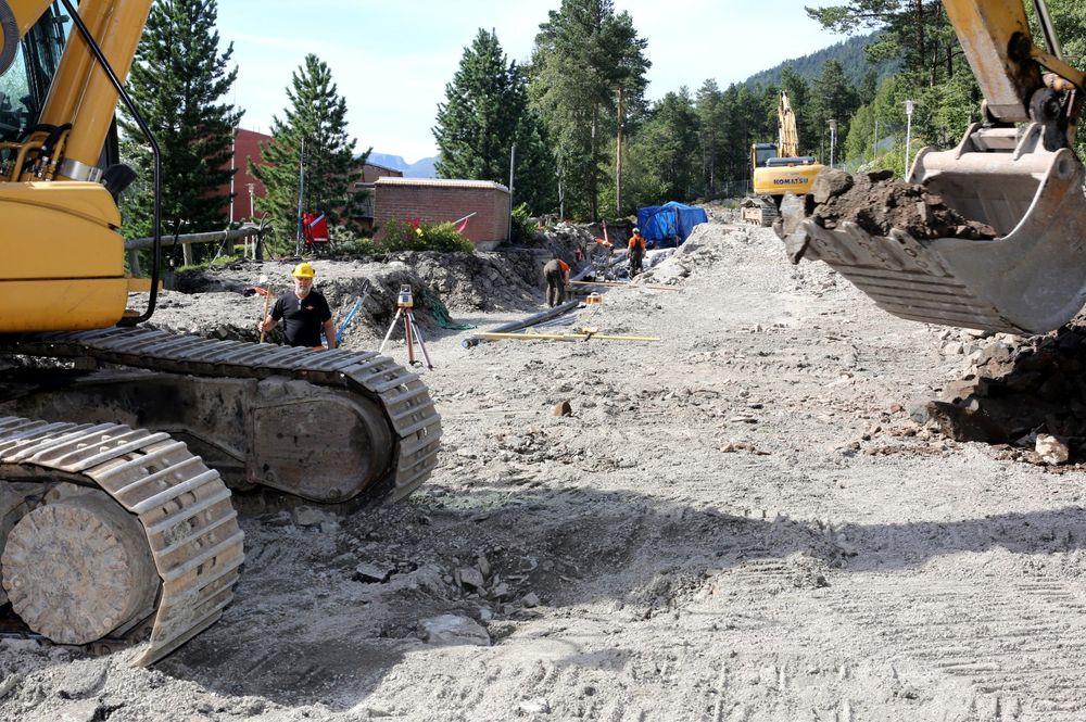Høgskolen i Molde valgte å bore 39 energibrønner under parkeringsplassen for å erstatte den gamle oljefyringen.