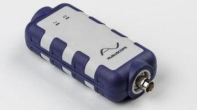 Denne tolker lyder og vibrasjoner fra mikrofonen, og sender dataene til en iPhone.