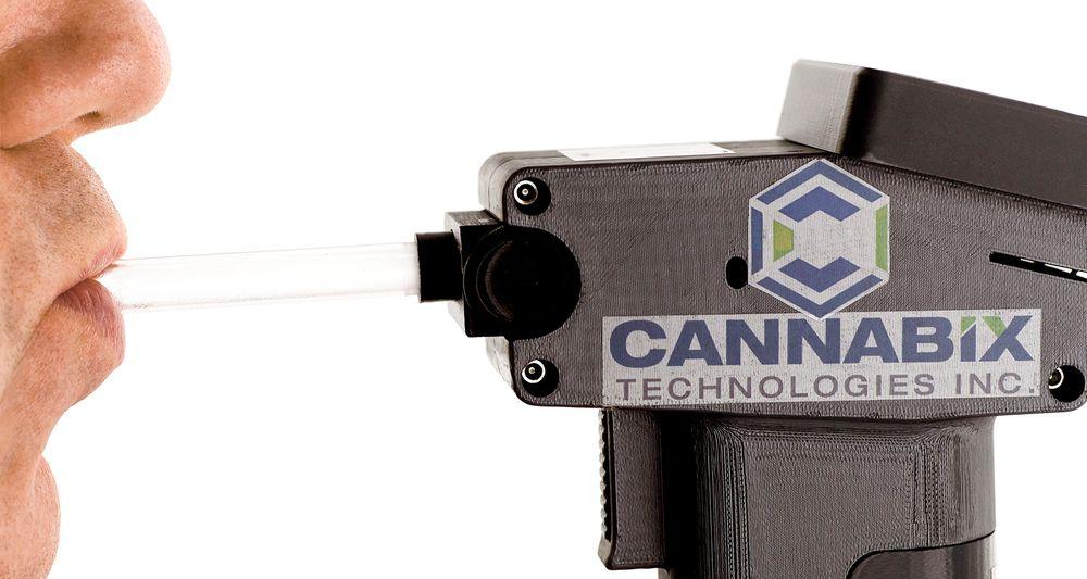Det kanadiske selskapet Cannabix Technologies er i ferd med å utvikle et håndholdt blåseapparat for å påvise bruk og påvirkning av THC. Her er bildet av prototypen.