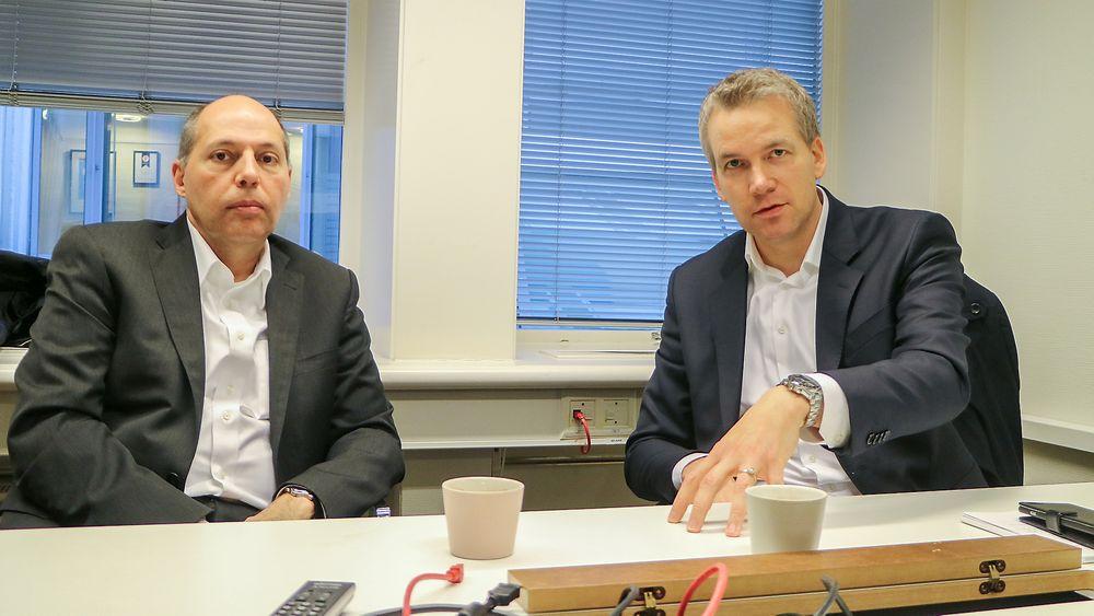 Den amerikanske lederen av helsedivisjonen til konsulentgiganten Accenture dr. med Kaveh Safavi og sjef for helse i Accenture Norge, Geir Prestegård tror IT vil utløse enorme gevinster i helse. Først og fremst i form av bedre diagnoser og terapi, men også i økt kapasitet. Billigere blir det neppe.