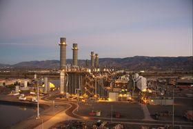 GE har levert mye utstyr, deriblant renseteknologi, til kombikraftverket Moutainview, tilhørende Southern California Edison (SCE). Kraftverket er på 1.054 MW.