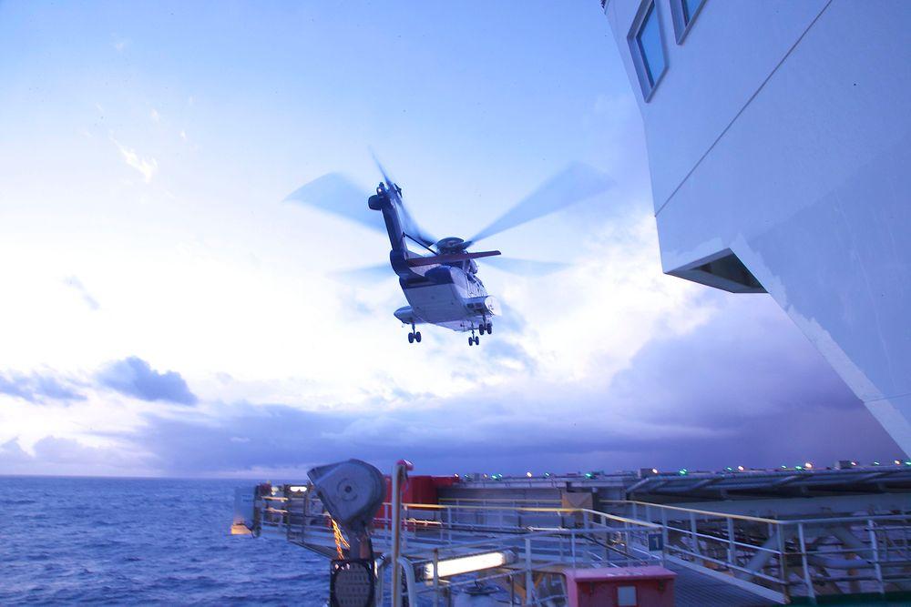 Norske helikopteroperasjoner offshore regnes i dag som verdens sikreste. Nå frykter bransjen nye EU-regler.