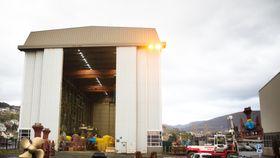 Rolls-Royce i Ulsteinvik reparerer og vedlikeholder store propeller. Permitteringer kan bli brukt i større grad med nye regler.