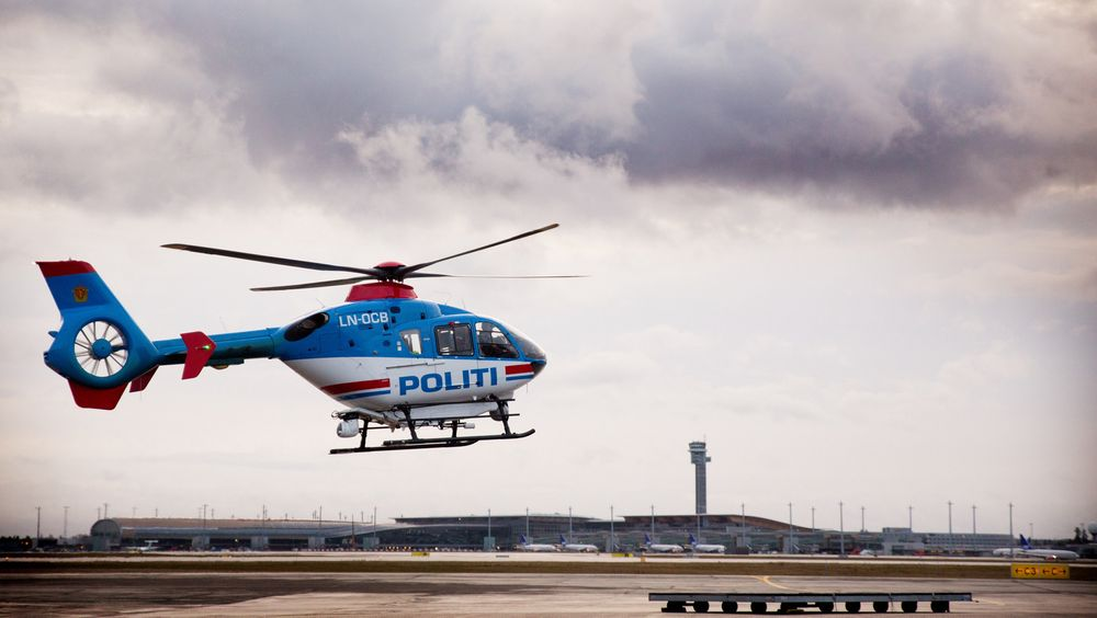 Dette er helikopteret som leies av det britiske politiet og som nå har passert hele 13 000 flytimer.
