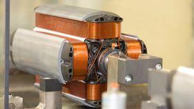 Fra produksjon av stator til Renaults R240-motor.
