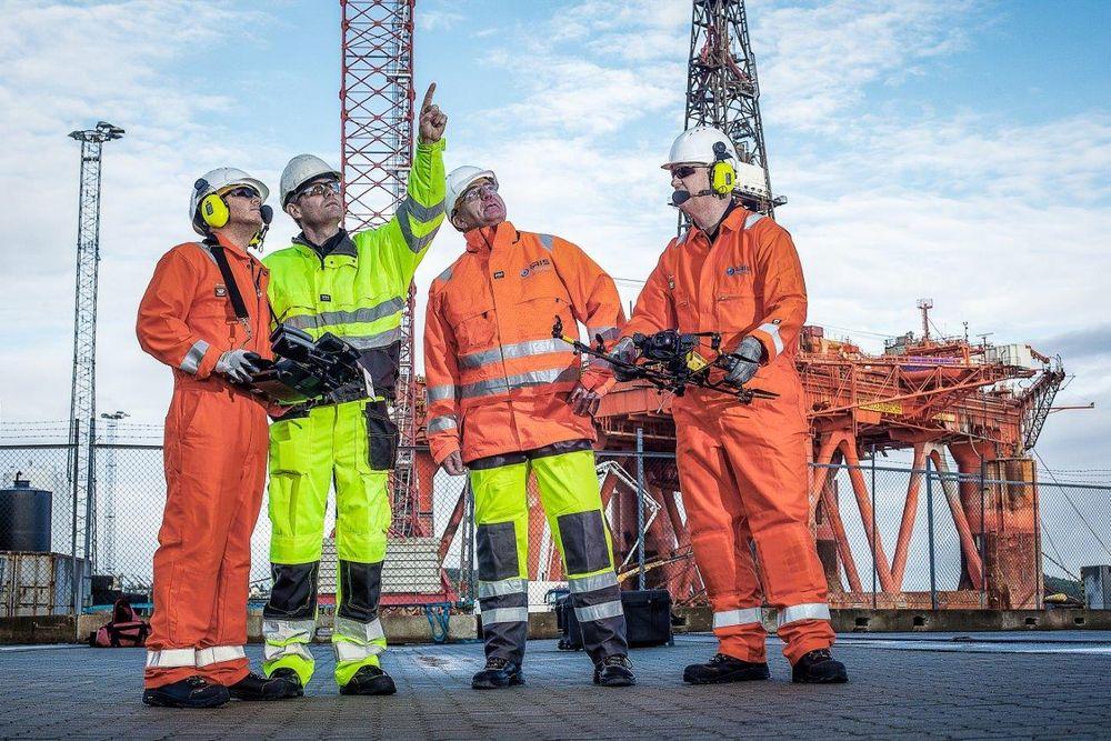 Iris Group og Fours AS skal bruke droner til å ta inspeksjon offshore og onshore ytterligere ett steg videre.