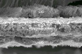Grafén dannet på plastfilm ved hjelp av laser.