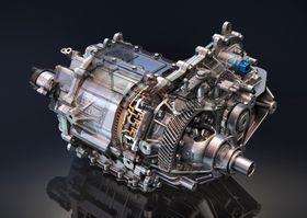 Motoren yter 200 hestekrefter, og har et dreiemoment på 340 newtonmeter.