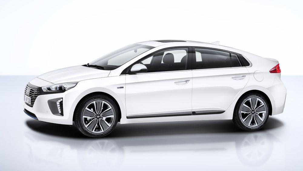 Hyundai Ioniq leveres som elbil, hybrid og ladehybrid.
