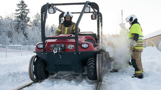 Denne brannbilen skal redde deg om det begynner å brenne i togtunnelen