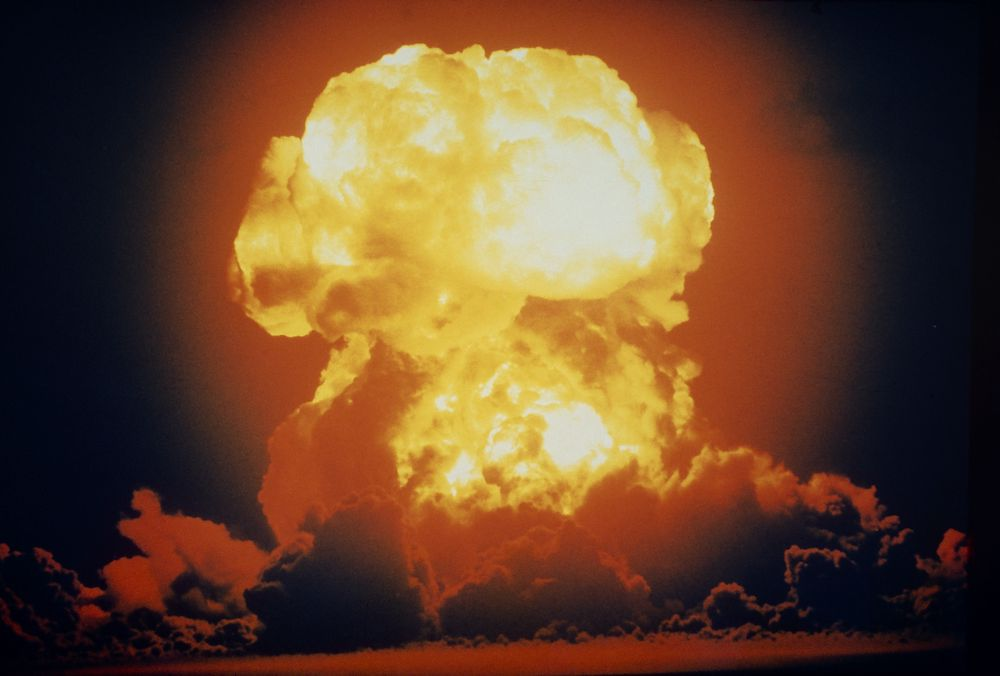 Det merkes når en hydrogenbombe detoneres, som denne på Bikini-atollet i 1954.