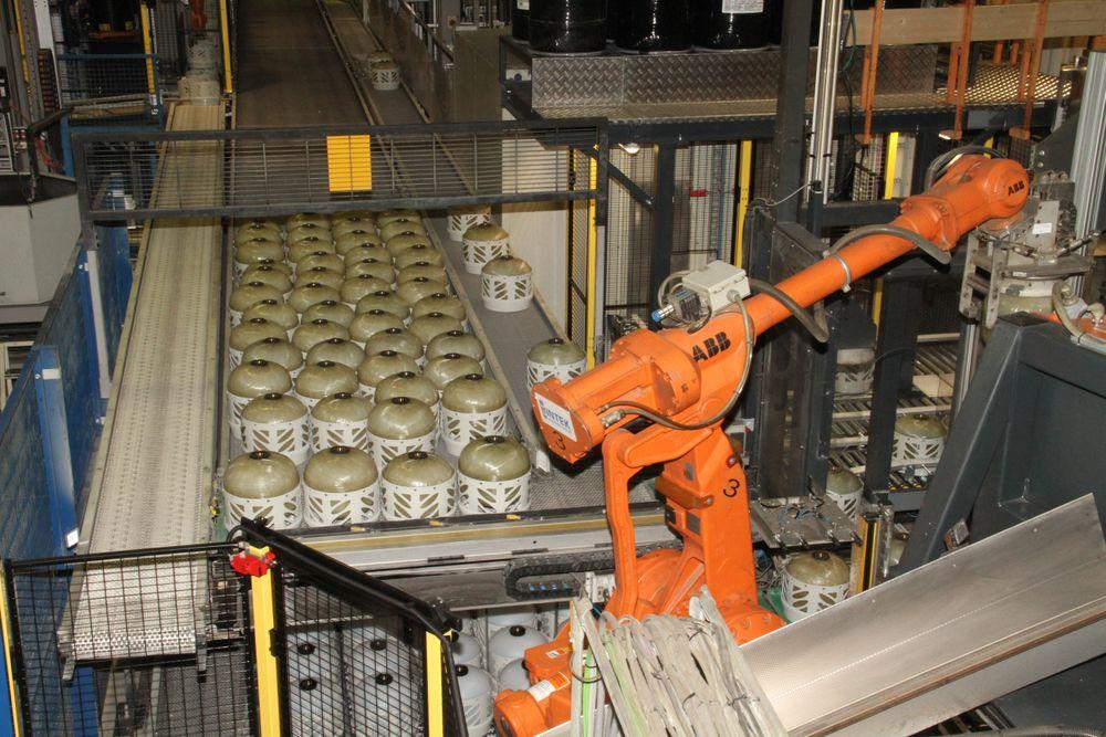 Produksjon av propantanker hos Hexagon Ragasco på Raufoss som ble kåret til årets smarteste industribedrift 2015.