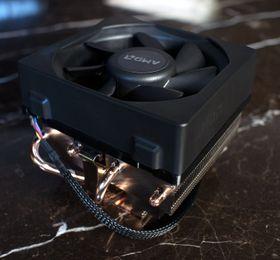 AMDs Wraith-kjøler med LED-belyst logo og ekstra gjennomført design forbeholdes de kraftigste prosessorene.