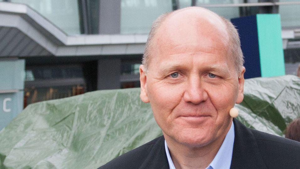 Konsernsjef Sigve Brekke vil Telenor skal satse på helsetjenester, finansieringstjenester, smarte hjem og industri - og mye annet.