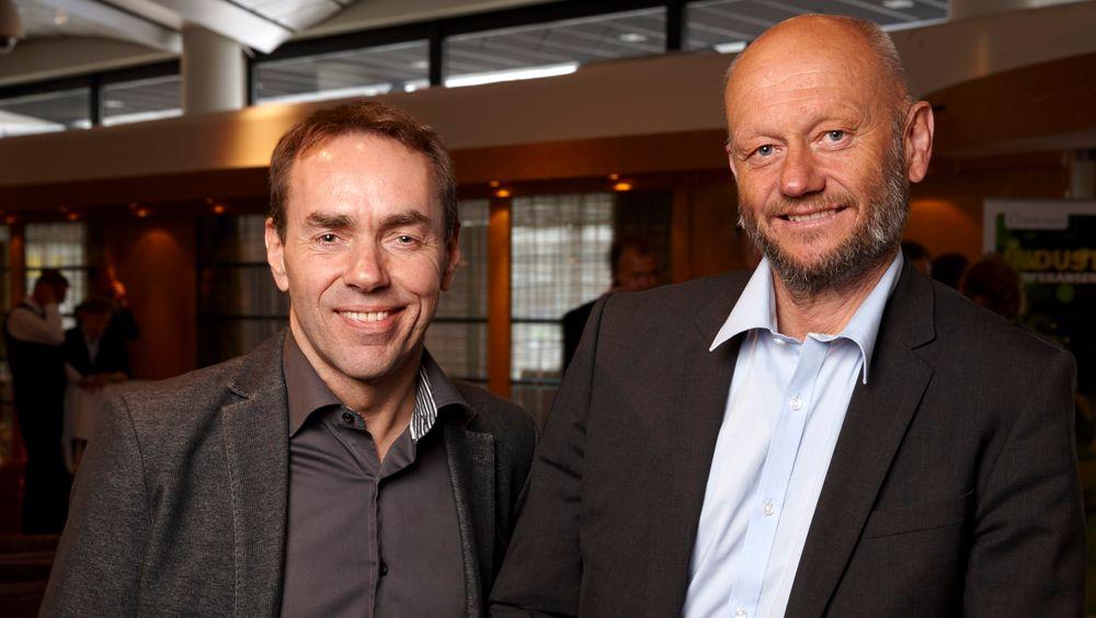 Fra venstre, Svein Hjelmås, prosjektdirektør for Eliaden 2016 og Stein Lier Hansen i Norsk Industri. Hjelmås venter økt antall besøkende som resultat av Norsk Industris engasjement.
