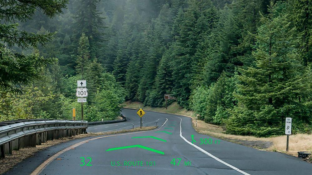 WayRays projektor legger instruksjonene direkte på veien foran.