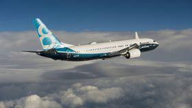 Boeing 737 Max 8 fløy første gang sist fredag og skal begynne å frakte passasjerer sommeren 2017.