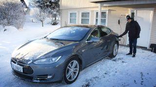 Brukte måneder på Tesla-mysterium: Arne fikk ikke ladet hjemme