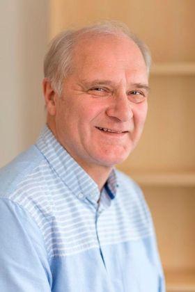 NTNU-professor Magnus Langset sier aluminium egner seg svært godt i biler blant annet på grunn av evnen til å absorbere energi.