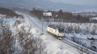 Toget skulle testes i vinterforhold - sporet av i snøfonn