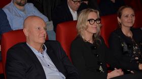 Direktør for Norsk filminstitutt Sindre Guldvog (til venstre), administrerende direktør for Innovasjon Norge Anita Krohn Traaseth (midten) og kulturminister Linda Hofstad Helleland la fram Spill ut i verden til bransjen.