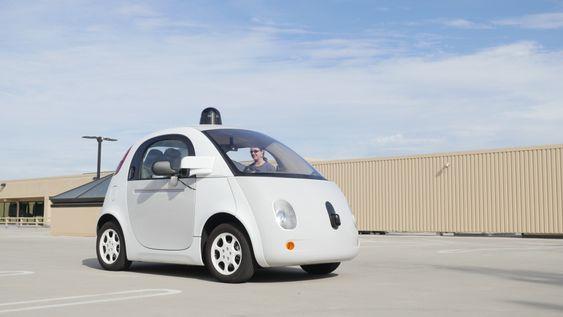 Google er rangert som nr 19 på listen over de med mest patenter innen teknologien knyttet direkte til selvkjørende biler. De har derimot vært tidlig uten med sin prototype som har vært på veien i flere år uten å selv ha påført andre skader.