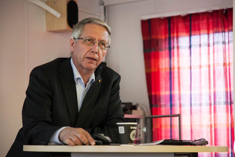 Vegdirektør Terje Moe Gustavsen hyller Vegvesenets eksterne konsulenter.