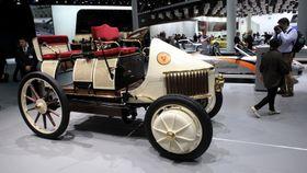 Rekonstruksjon av Lohner-Porsche Semper Vivus (alltid i live).