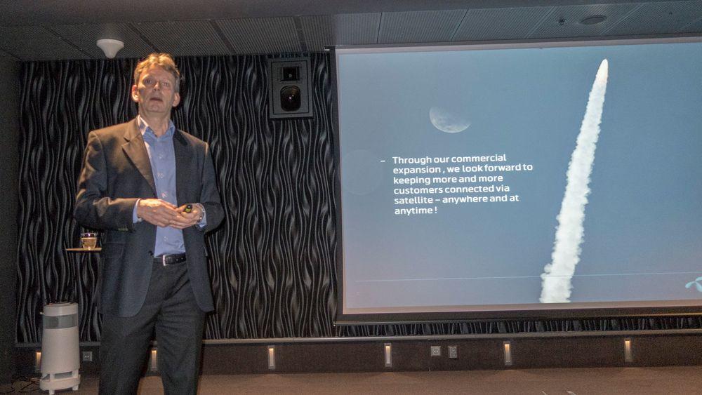 Satellittsjef: Morten Tengs er direktør for Telenor Satellite Broadcasting og vil få en ny melkeku på 1 grad vest oppe i geostasjonær bane.