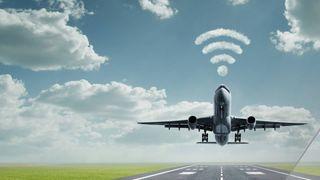 Lover mye raskere internett ombord i fly
