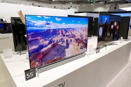 Slik ser Samsungs nye 7-serie ut som flat utgave.