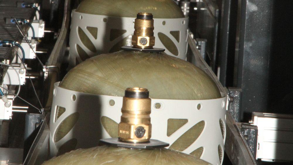 Hexagon Regasco på Raufoss forbereder nytt design på de velkjente propantankene.