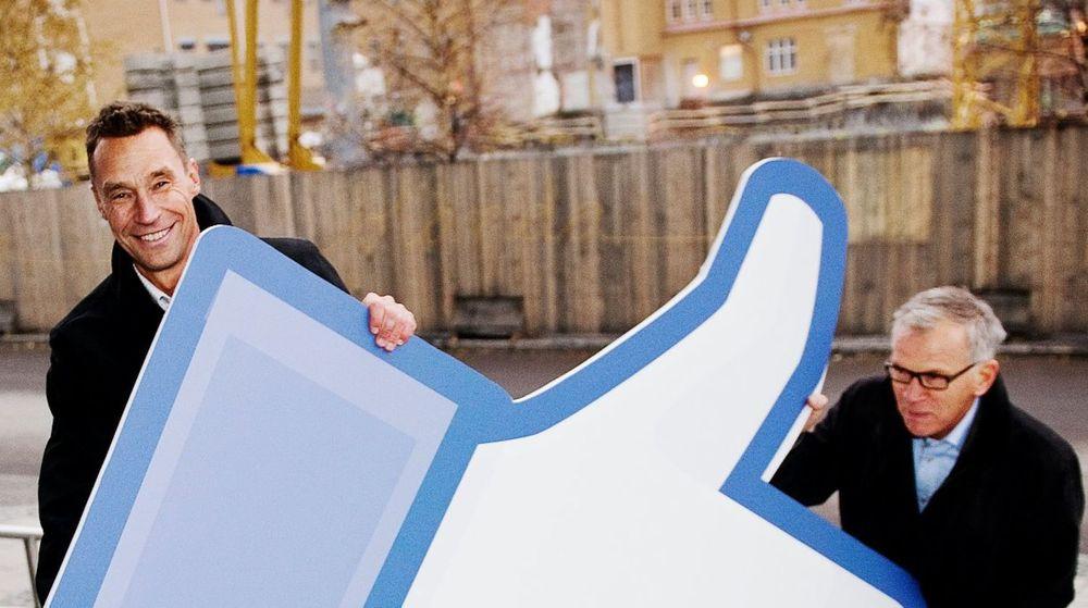 Ordføreren i Luleå, Karl Petersen sammen med Matz Engman, sjef for næringsforeningen i den nordsvenske kommunen, feiret i fjor at de fikk Facebooks nye datasenter til byen. Mye takket være store subsidier fra EU, melder britisk avis.