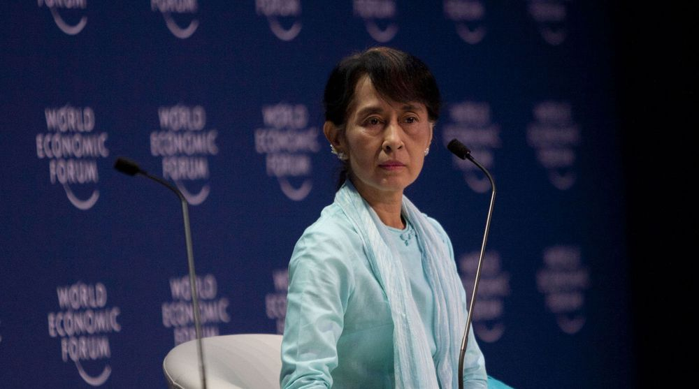 Aung San Suu Kyi talte på World Economic Forum i Bangkok i dag. Hun skal også delta i en panelbedatt med blant andre Jon Fredrik Baksaas.